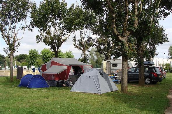 Aire camping-car à Charité-sur-Loire (58400) - Photo 2